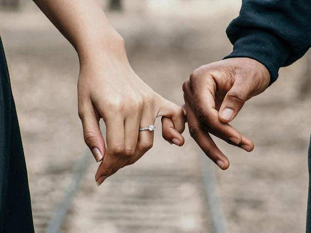 Promise Day: ये वादे हैं प्यार और विश्वास के जो मजबूत बनाए रखेंगे रिश्ता