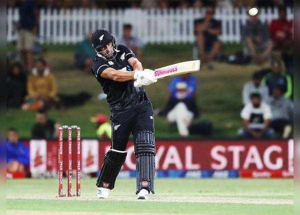 डि ग्रैंडहोम ने 28 गेंद पर खेली 58 रनों की पारी