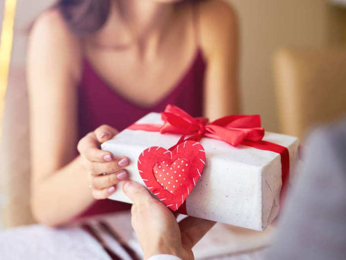 valentines day gift ideas for girlfriend boyfriend or husband and wife