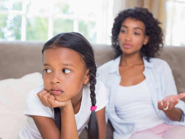 अनजाने में भी करेंगे ये 3 गलतियां तो बच्चे नहीं सुनेंगे आपकी बात
