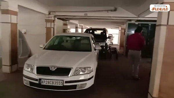 it raid in chandrababu naidu ex personal secretary house video