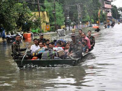 भारी बारिश के बाद जलमग्न हो गया था पटना शहर
