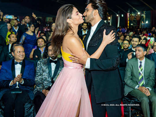65th amazon filmfare awards 2020 pics of bollywood actors and actresses