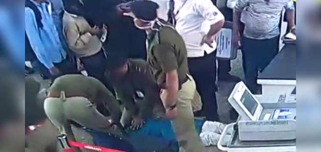 CISF कर्मियों ने कोलकाता एयरपोर्ट पर बेहोश यात्री की बचाई जान