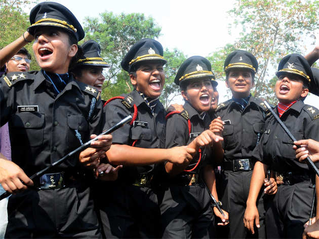 महिला सैनिकों को मिला अधिकार