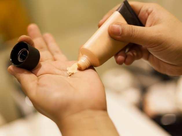 DIY Makeup Tips: इन दो तरीकों से घर पर बनाएं मेकअप प्राइमर, चेहरे पर तुरंत दिखेगा ग्लो