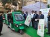 DMRC ने 12 और मेट्रो स्टेशनों पर लॉन्च किया स्मार्ट ई-रिक्शा