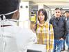 कोरोना वायरसः एयरपोर्ट पर बढ़ाई गई स्क्रीनिंग, केंद्र की सिंगापुर यात्रा न करने की सलाह