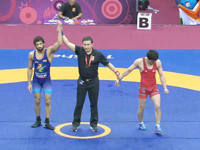 रवि दाहिया ने भारत के लिए गोल्ड जीता।