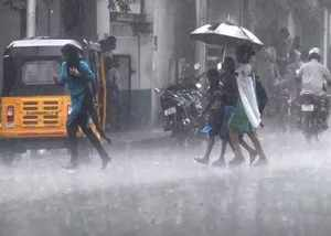 light rain possibility in few parts of tamil nadu for next two days