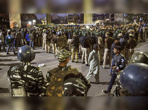 नार्थ-ईस्ट में CAA के खिलाफ बवाल पर दिल्ली पुलिस ने जारी किया बयान