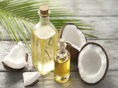 why you should apply camphor and coconut oil mixture on face