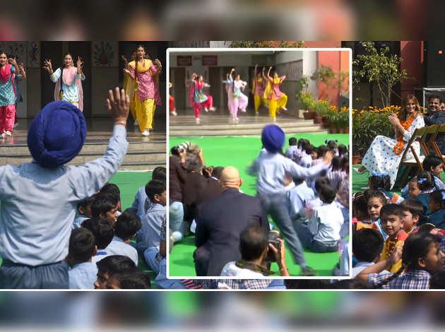 दिल्ली: स्कूली बच्चे ने अपने भांगड़ा से मेलानिया ट्रंप का ध्यान किया आकर्षित