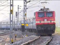 लखनऊ-वाराणसी के बीच पांच मार्च तक कई ट्रेनें रहेंगी रद