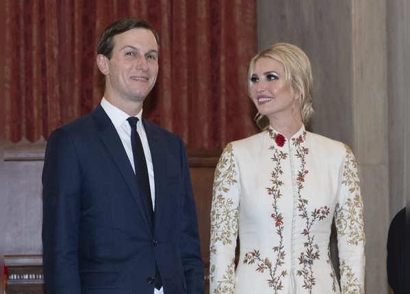 रोहिल बल के गुलदस्ता कलेक्शन की है ड्रेस