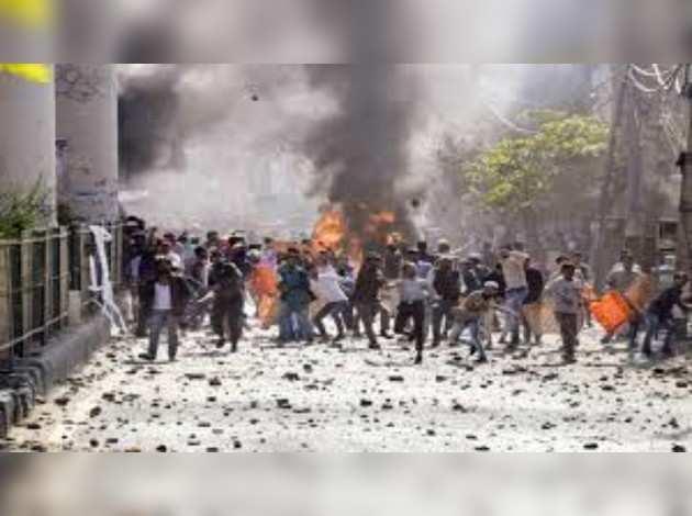 दिल्ली हिंसा: 2 और लोगों ने दम तोड़ा, मृतकों की तादाद 20 तक पहुंची