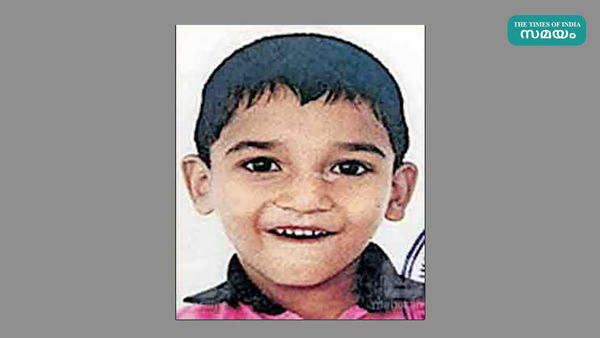 kannur five year old lkg student died hit by his school bus
