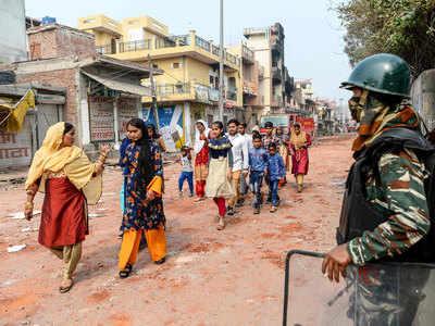 उत्तर पूर्वी दिल्ली में हिंसा के बाद सुरक्षाबलों की तैनाती है