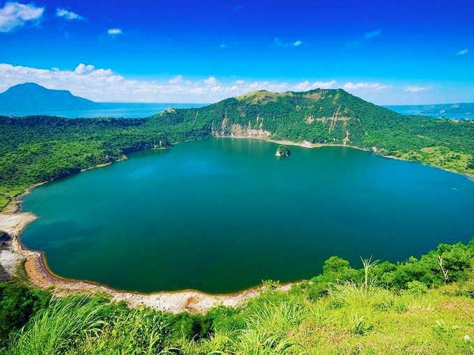 महाराष्ट्र के बुलढाना जिले में यह रहस्यमयी झील