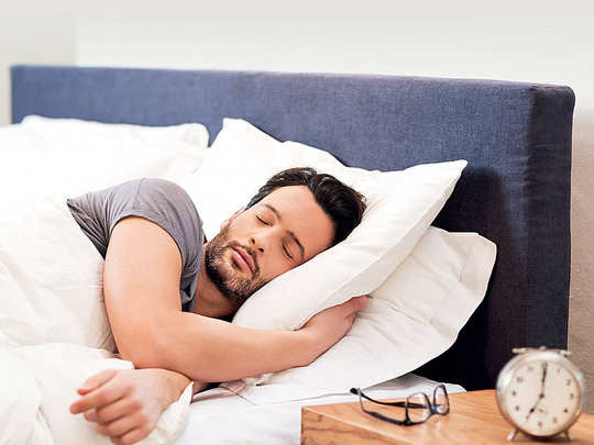 World Sleep Day 2020: World Sleep Day 2020: वर्ल्ड स्लीप डे पर जानें सोने  के फायदे और फैक्ट्स - world sleep day 2020 today know benefits and facts  about sleep | Navbharat Times