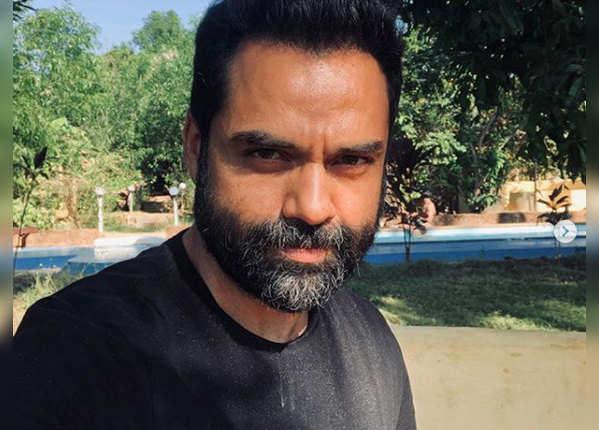 बीते दिनों गोवा में थे अभय
