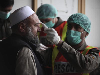 दक्षिण एशिया में पाकिस्तान में कोरोना संक्रमण के सबसे ज्यादा मामले