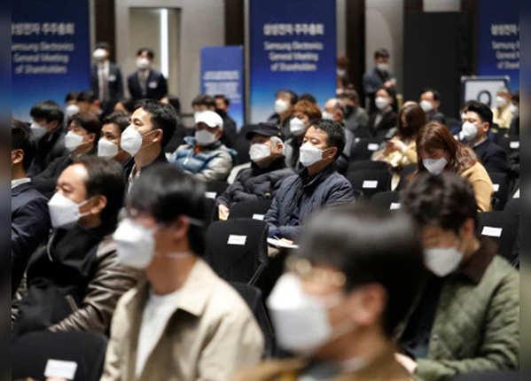 नॉर्थ कोरिया का इनकार, दक्षिण कोरिया ले रहा लोहा