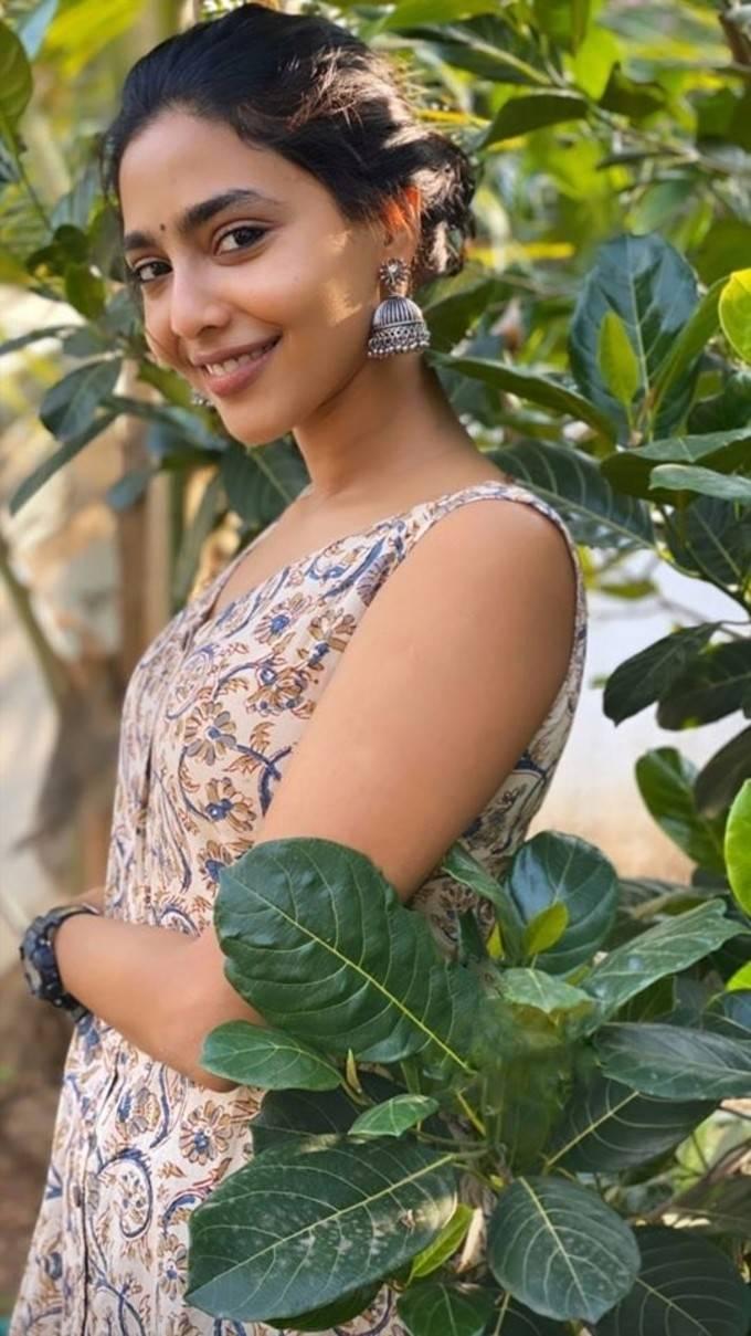 ஆக்ஷன் நடிகை ஐஸ்வர்யா லட்சுமியின் அழகான புகைப்படங்கள்!