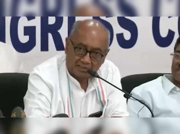 MP के राजनीतिक संकट के लिए दिग्विजय सिंह ने पीएम मोदी, शाह को घेरा