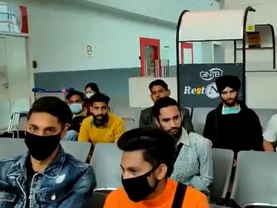 मलेशिया में फंसे भारतीय नागरिक