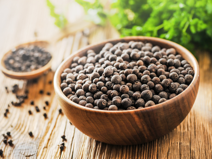 five easy ways to boost your immunity by black pepper to fight cough and cold virus in hindi