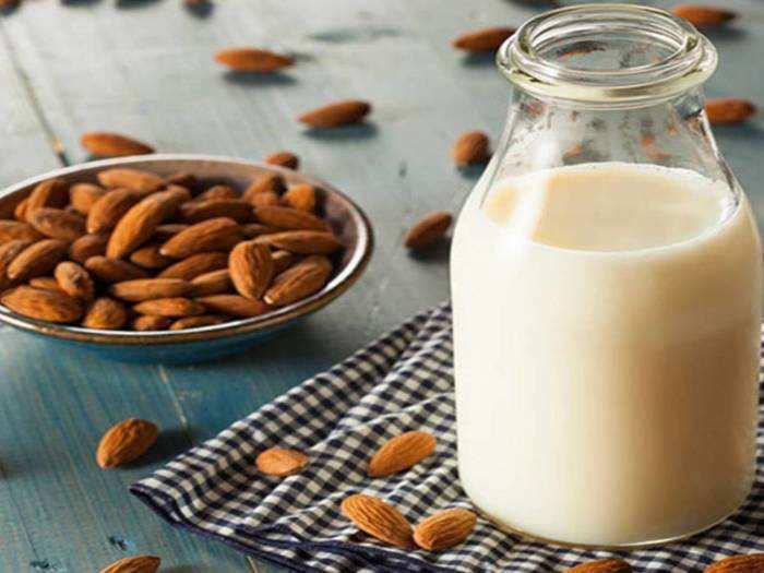Milk Badam For Good Sleep : वर्क फ्रॉम होम के बाद लेना चाहते हैं गहरी नींद तो, दूध में 2 बादाम मिलाकर बनाएं ये Drink