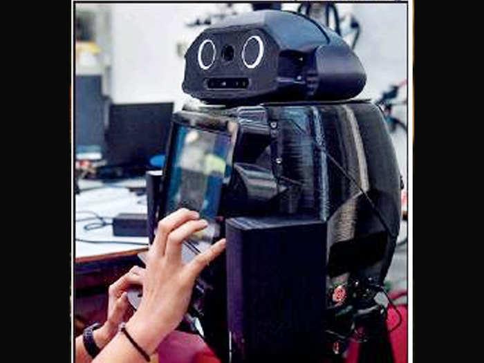 रोबॉट करेगा काम
