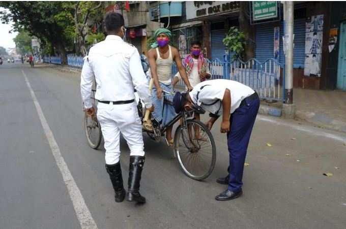 IN PIC: কলকাতায় লকডাউন! স্তব্ধতার কাউন্টডাউন...