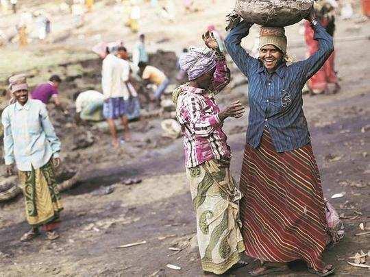 கொரோனா: கட்டுமான தொழிலாளர்களுக்கு நிதியுதவி அளிக்க அட்வைஸ்