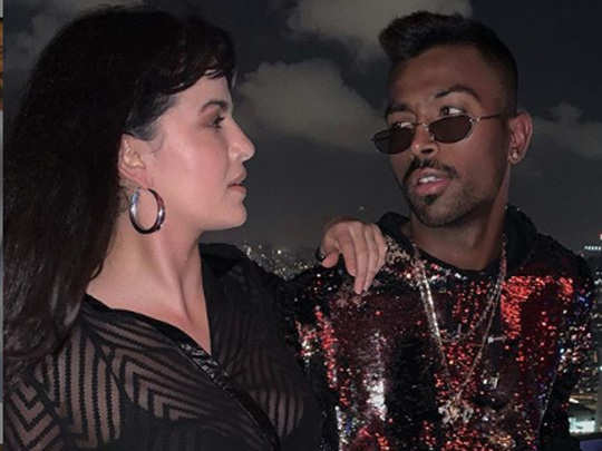 hardik pandya with natasha