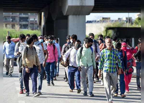 प्रवासी मजदूरों के खाने-पीने का हम इंतजाम करेंगे: केजरीवाल