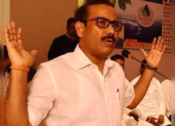 स्वास्थ्य मंत्री राजेश टोपे