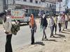 4 दिन से भूखे-प्यासे 28 मजदूरों ने पैदल तय किया 300 KM का सफर, यूपी पुलिस ने कुछ यूं की मदद