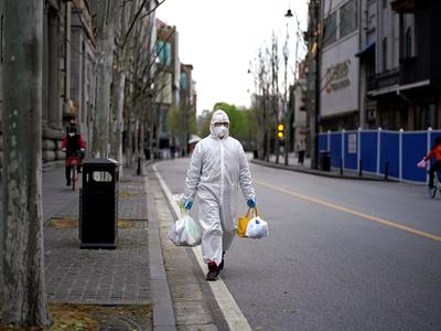 चीन के वुहान में मौतों के आंकड़े को लेकर बढ़ा संदेह