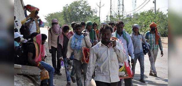 लॉकडाउन: केंद्र ने सुप्रीम कोर्ट को बताया- अब कोई भी प्रवासी श्रमिक सड़क पर नहीं