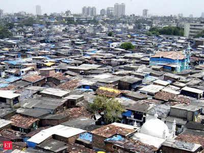 मुंबई में बनी झुग्गियां (फाइल फोटो)