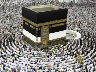 सऊदी अरब में हज पर मंडराने लगे संकट के बादल