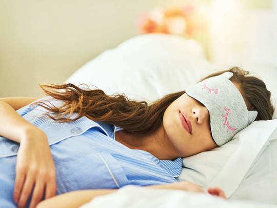 लॉकडाउन में अच्छी नींद के लिए अपनाएं ये टिप्स - tips for better sleep  during lockdown in hindi | Navbharat Times