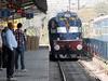 लॉकडाउन के बाद 15 अप्रैल को यात्रा करने के लिए तैयार हैं गुजराती, ट्रेनों में सीटों का ये है हाल