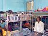 लॉकडाउन: बेंगलुरु के शेल्टर होम में रहना सुरक्षित नहीं, सोशल डिस्टेंसिंग का हाल बेहाल