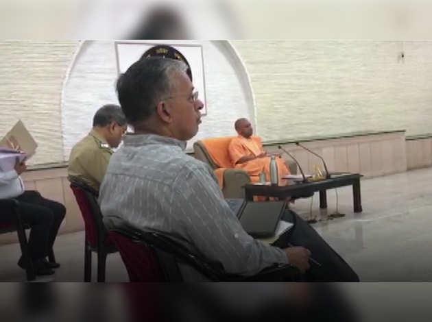 UP में कोरोना: CM योगी ने उच्चस्तरीय बैठक की