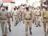 सिर के बालों में न चिपक जाए कोरोना वायरस, 75 पुलिसवालों ने कराया मुंडन