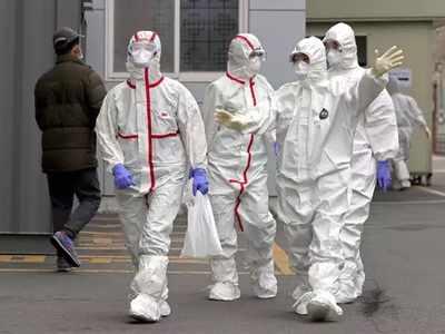 कोरोना वायरस के रोकधाम में लगे स्वास्थ्यकर्मी