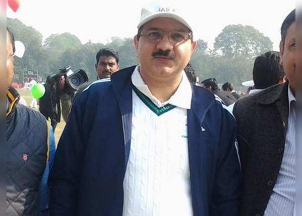 भुवनेश कुमार: प्रमुख सचिव, पशुपालन